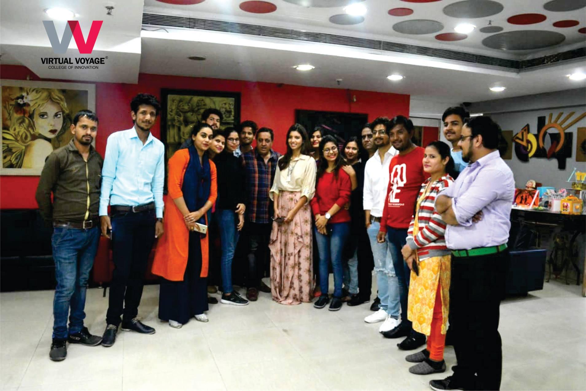 Star Cast of Movie Bhaagte Raho